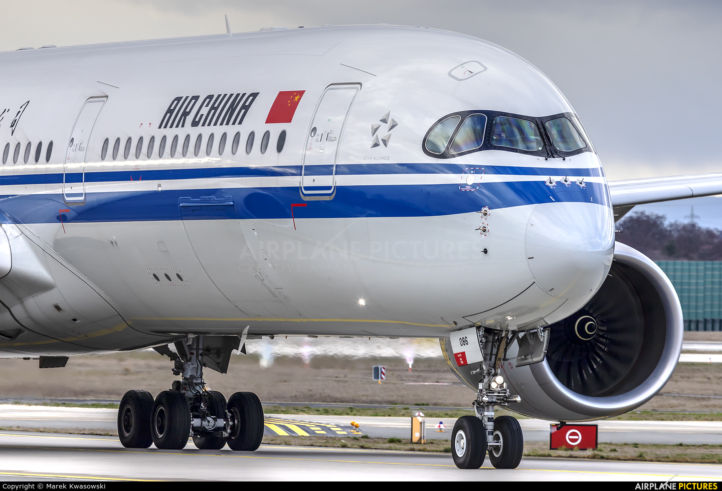 Air China B-1086 aircraft at Frankfurt