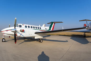 3917 - Mexico - Air Force Beechcraft 300 King Air 350