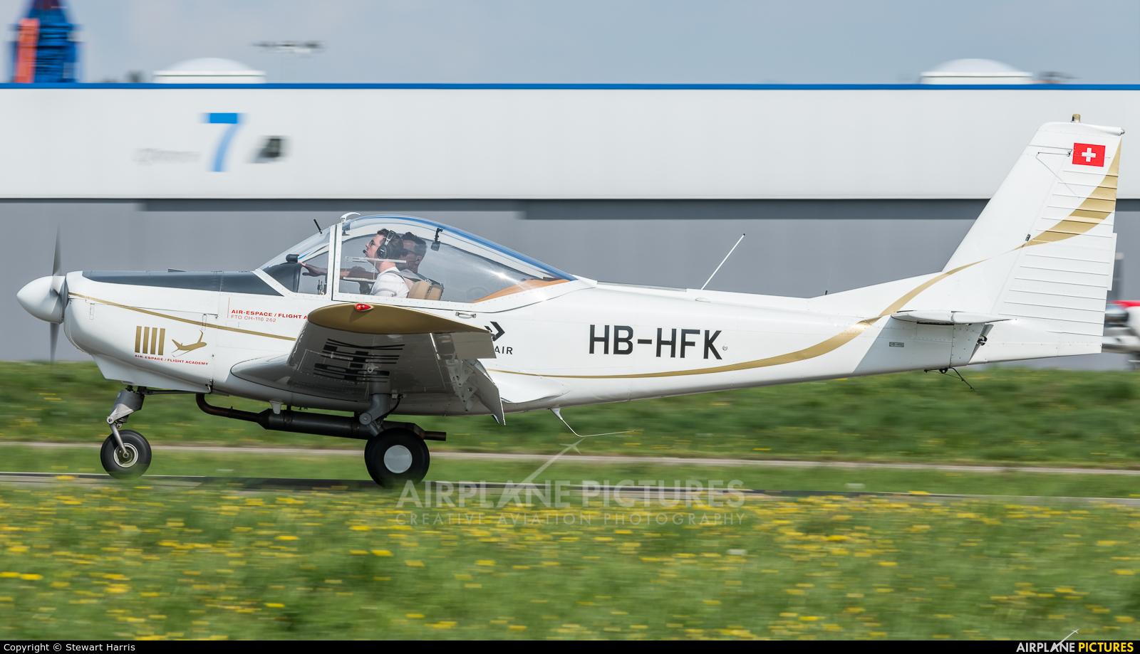 Private HB-HFK aircraft at Lausanne - La Blécherette