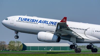 TC-LOF - Turkish Airlines Airbus A330-300