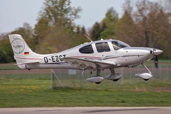 D-EZST - Private Cirrus SR-22 -GTS