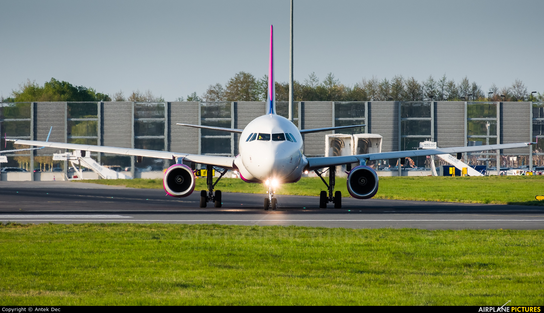 Wizz Air HA-LWN aircraft at Wrocław - Copernicus