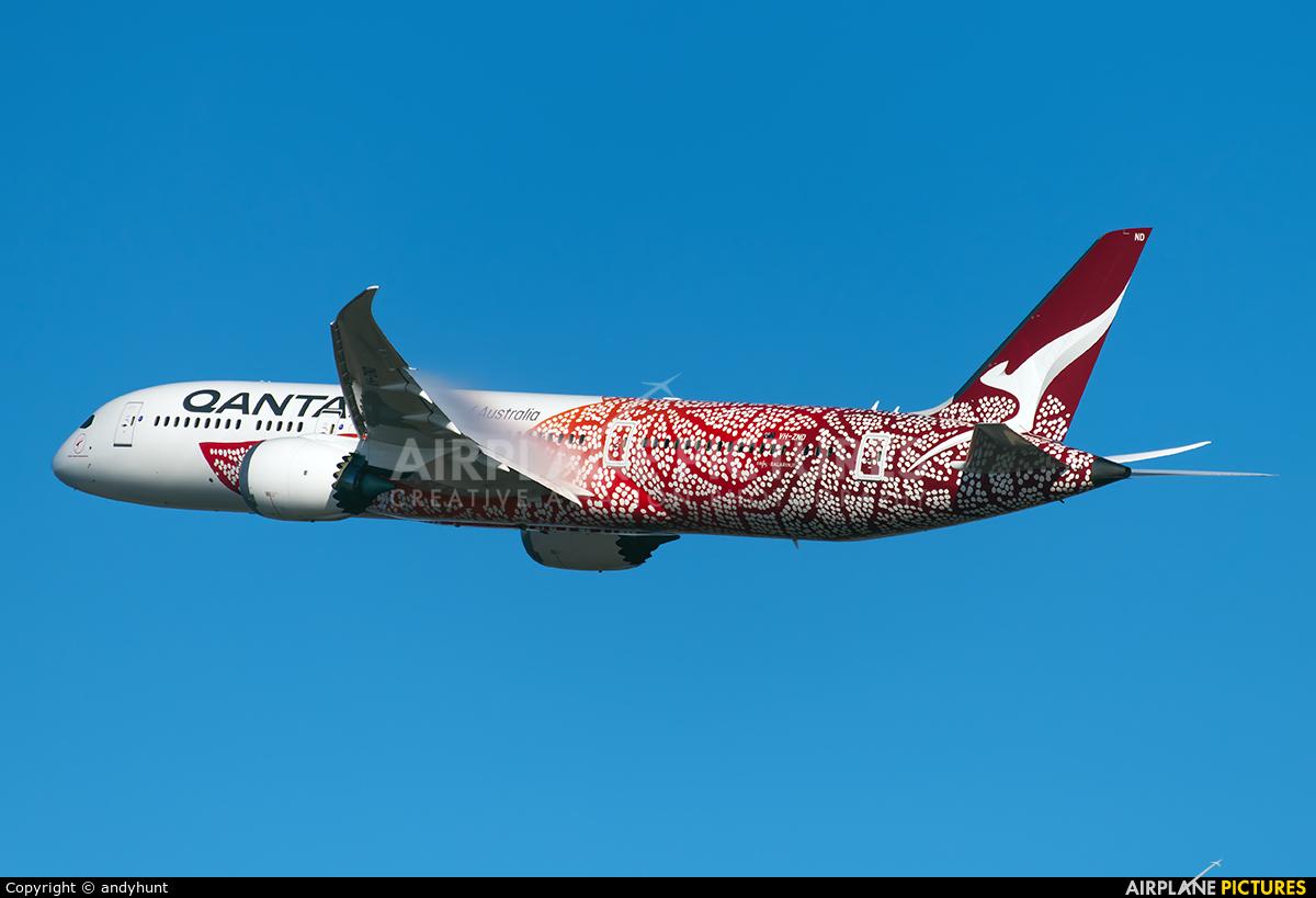 QANTAS VH-ZND aircraft at Los Angeles Intl