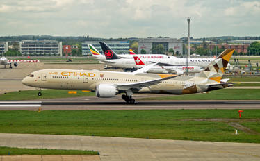 A6-BLY - Etihad Airways Boeing 787-9 Dreamliner