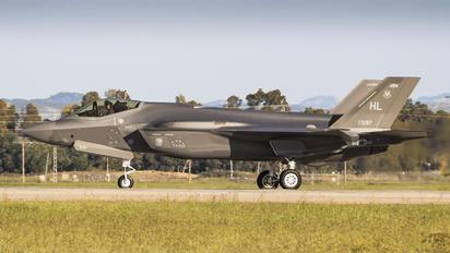 15-5197 - USA - Navy Lockheed Martin F-35 Lightning II