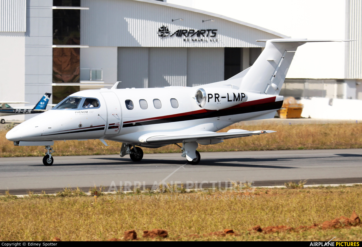 Private PR-LMP aircraft at Jundiaí, SP