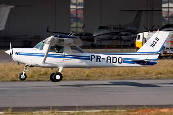 PR-ADO - EJ Escola de Aeronáutica Cessna 152