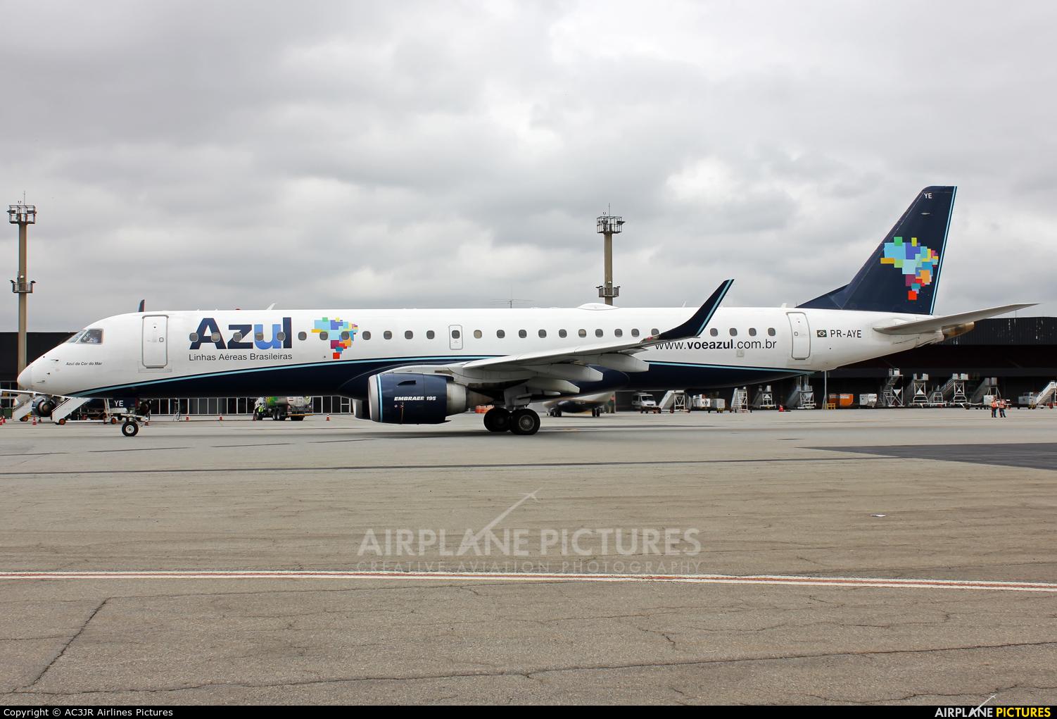Azul Linhas Aéreas PR-AYE aircraft at São Paulo - Guarulhos