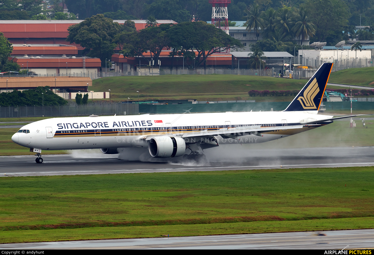Singapore Airlines 9V-SWY aircraft at Singapore - Changi