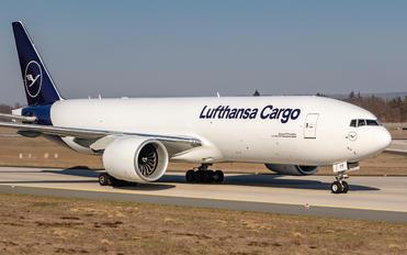 D-ALFF - Lufthansa Cargo Boeing 777F