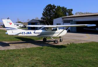 T7-JNA - Private Cessna 150