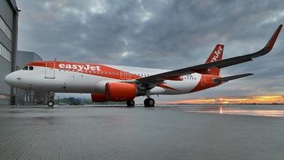 PH-IAI - easyJet Airbus A320