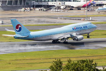 HL7402 - Korean Air Boeing 747-400