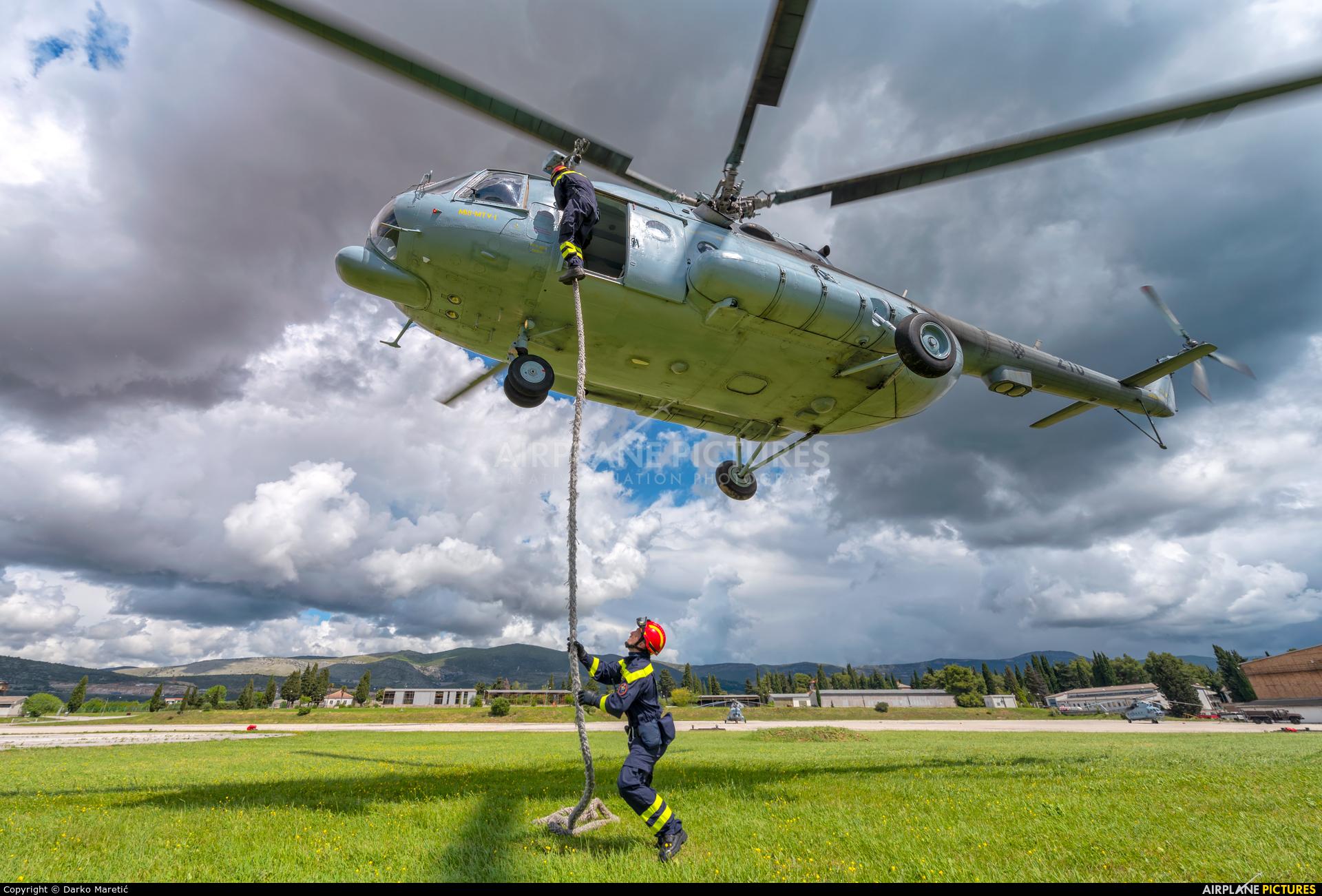 Croatia - Air Force 210 aircraft at Divulje