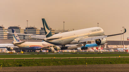B-LXI - Cathay Pacific Airbus A350-1000