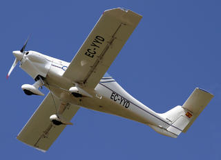 EC-YYD - Private Dyn Aero MCR01 ULC