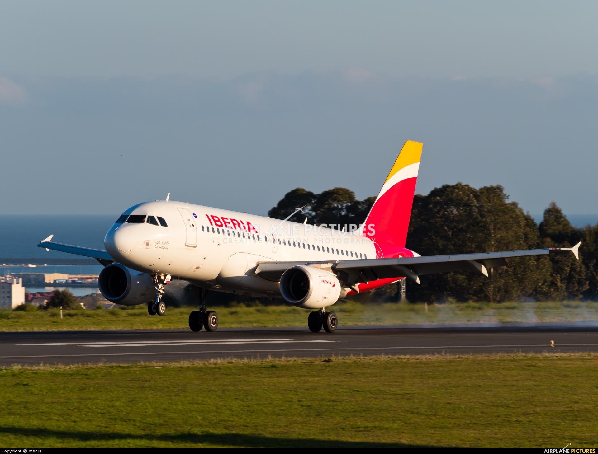 Iberia EC-JDL aircraft at La Coruña