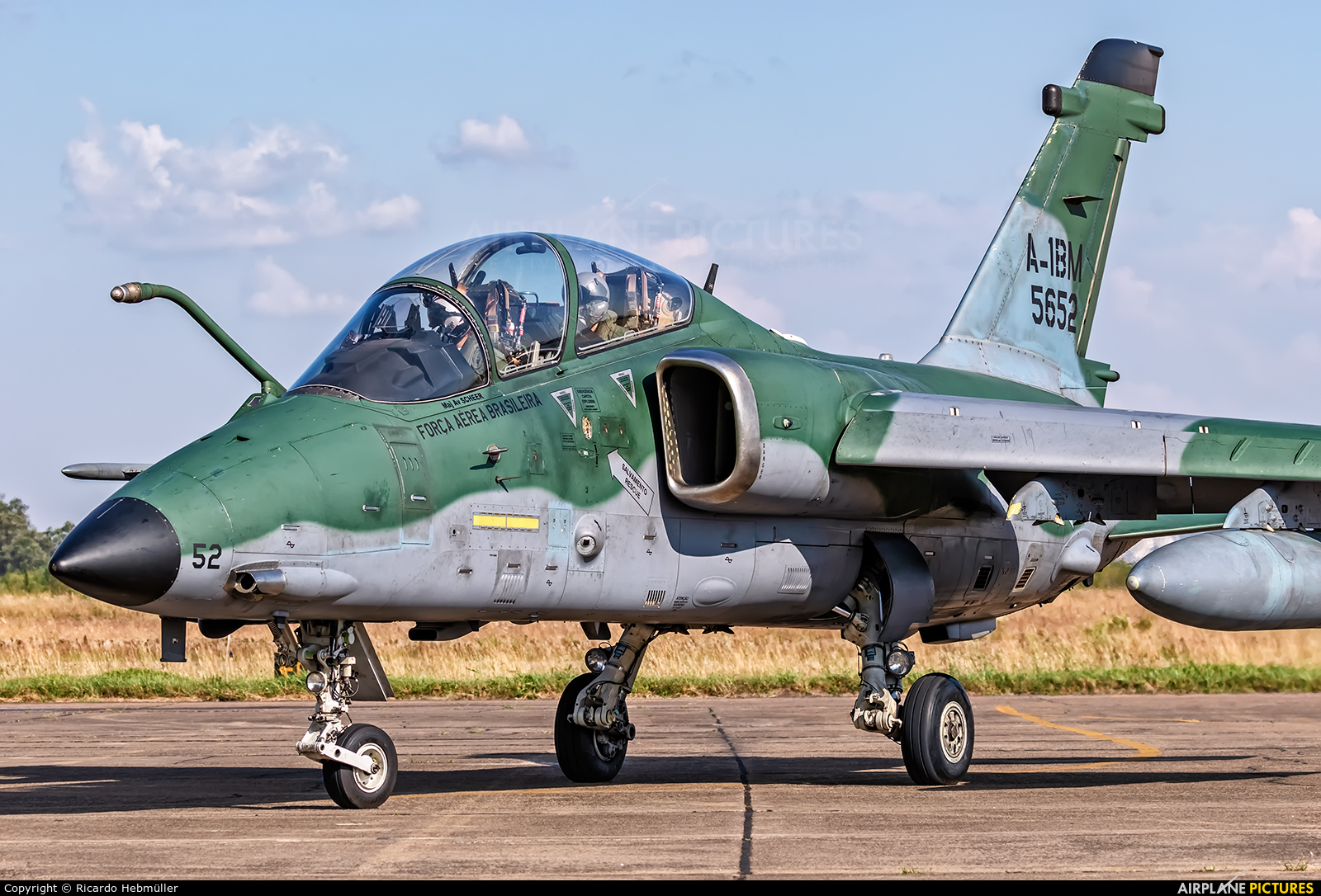 Brazil - Air Force 5652 aircraft at Canoas