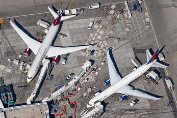 KLAX - - Airport Overview - Airport Overview - Apron
