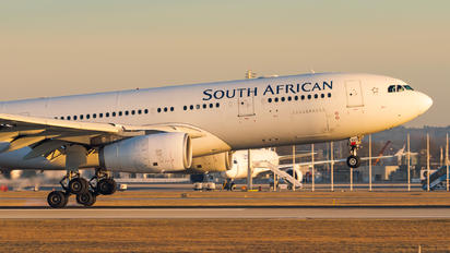 ZS-SXX - South African Airways Airbus A330-200