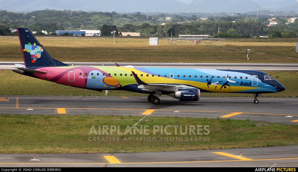 Azul Linhas Aéreas PR-AXH aircraft at Curitiba -  Afonso Pena