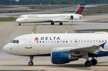 N324NB - Delta Air Lines Airbus A319