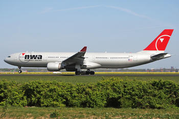 N814NW - Northwest Airlines Airbus A330-300