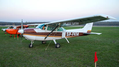 SP-FKM - Private Cessna 172 Skyhawk (all models except RG)