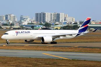 A7-AQA - Qatar Airways Airbus A350-900