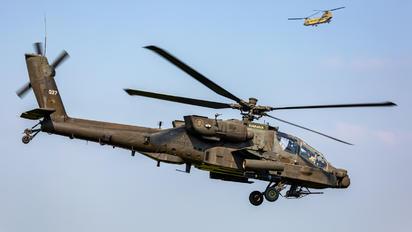 77037 - USA - Army Boeing AH-64D Apache