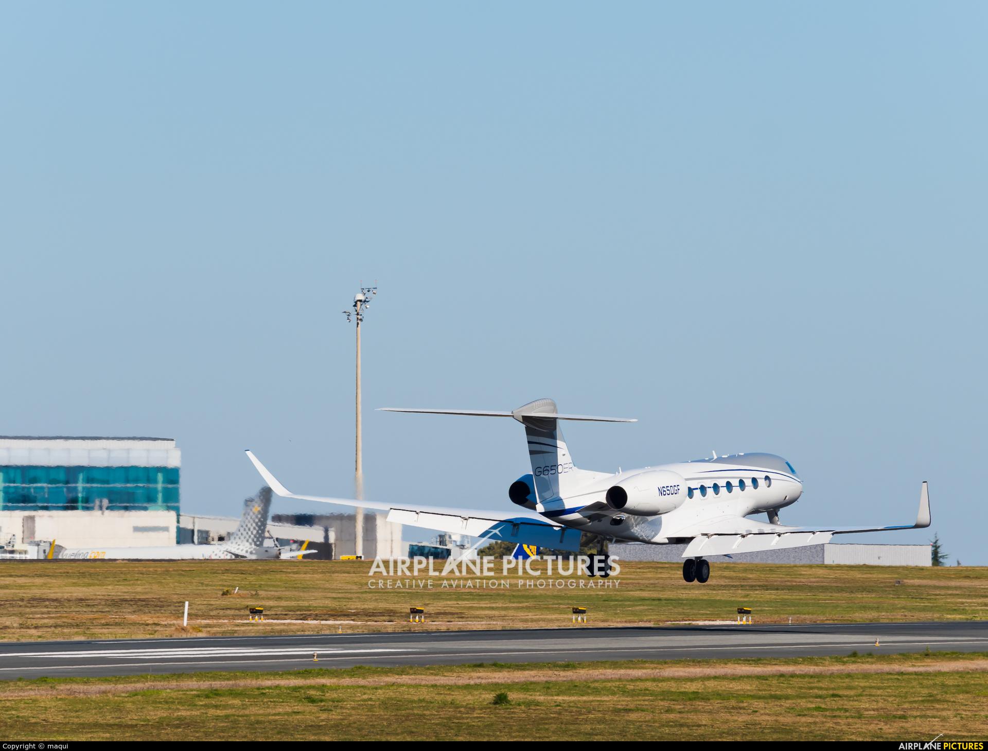 Gulfstream Aerospace Service Corp N650GF aircraft at Santiago de Compostela