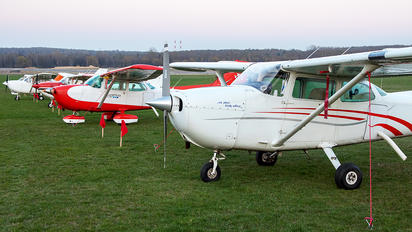 SP-KHF - Private Cessna 172 Skyhawk (all models except RG)