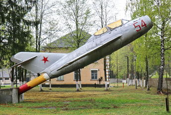 54 - Soviet Union - Air Force Mikoyan-Gurevich MiG-15 UTI