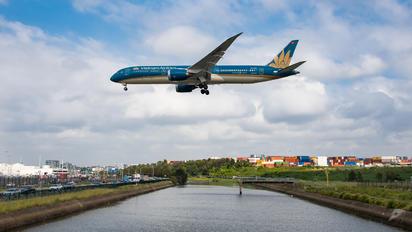 VN-A861 - Vietnam Airlines Boeing 787-9 Dreamliner