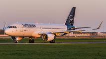 D-AIWD - Lufthansa Airbus A320 aircraft