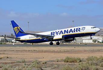 EI-GJA - Ryanair Boeing 737-8AS