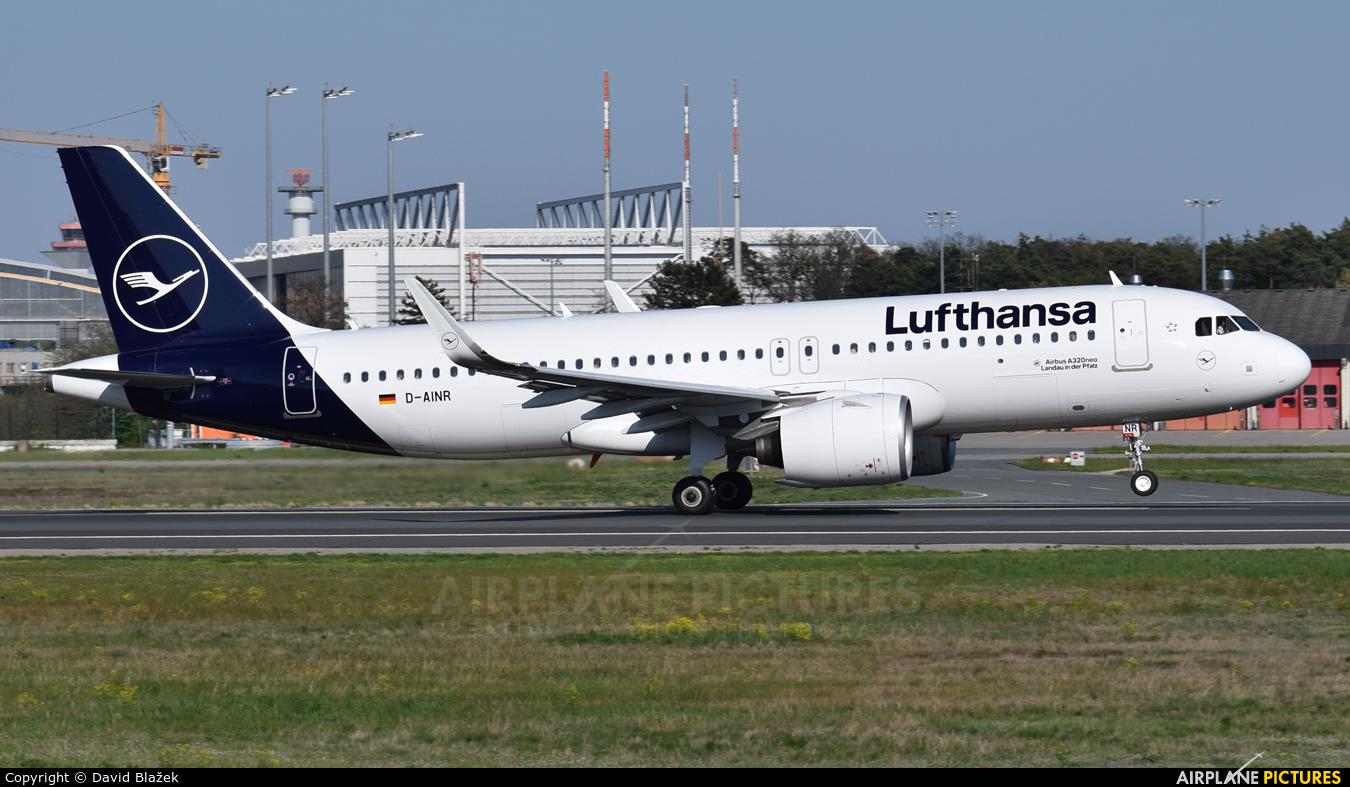 Lufthansa D-AINR aircraft at Frankfurt