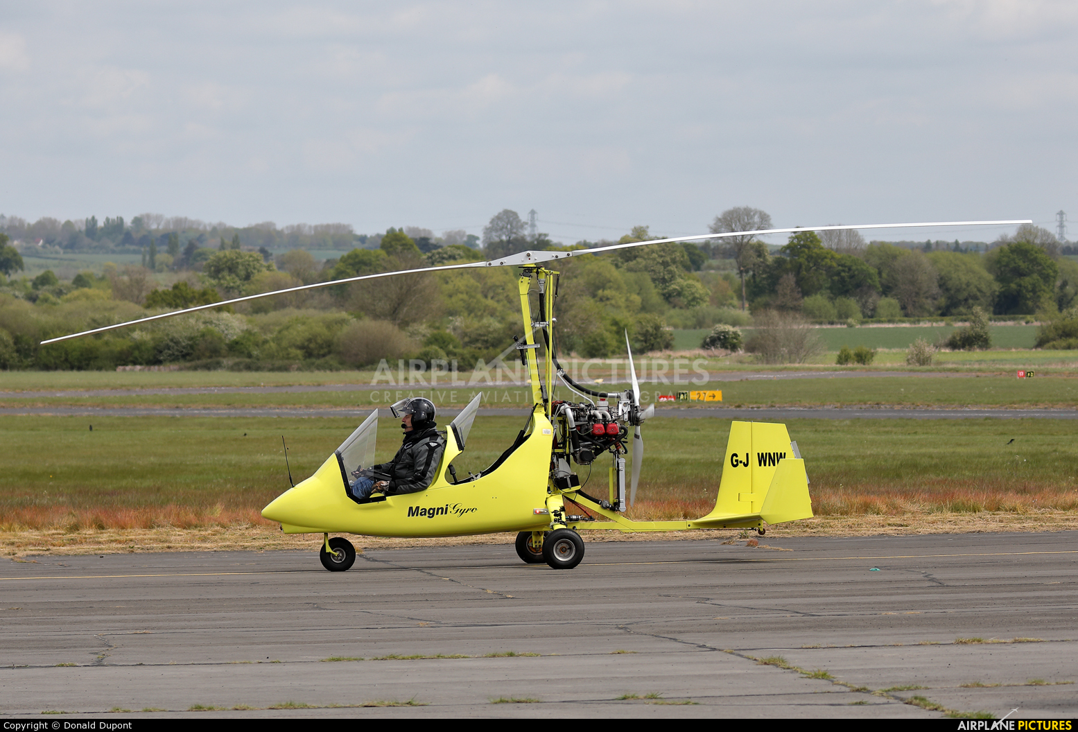 Private G-JWNW aircraft at Tollerton
