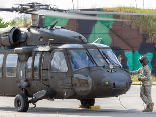 96-26677 - USA - Army Sikorsky UH-60L Black Hawk