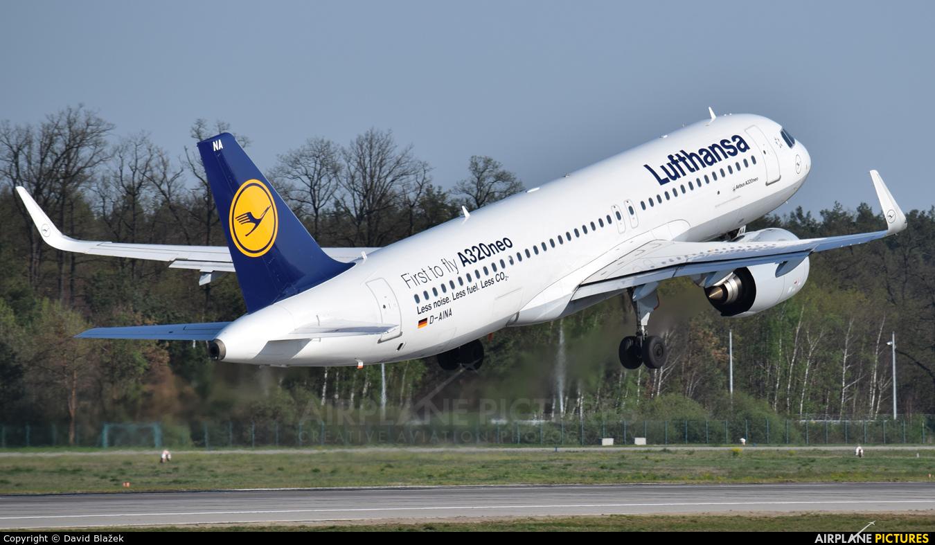 Lufthansa D-AINA aircraft at Frankfurt