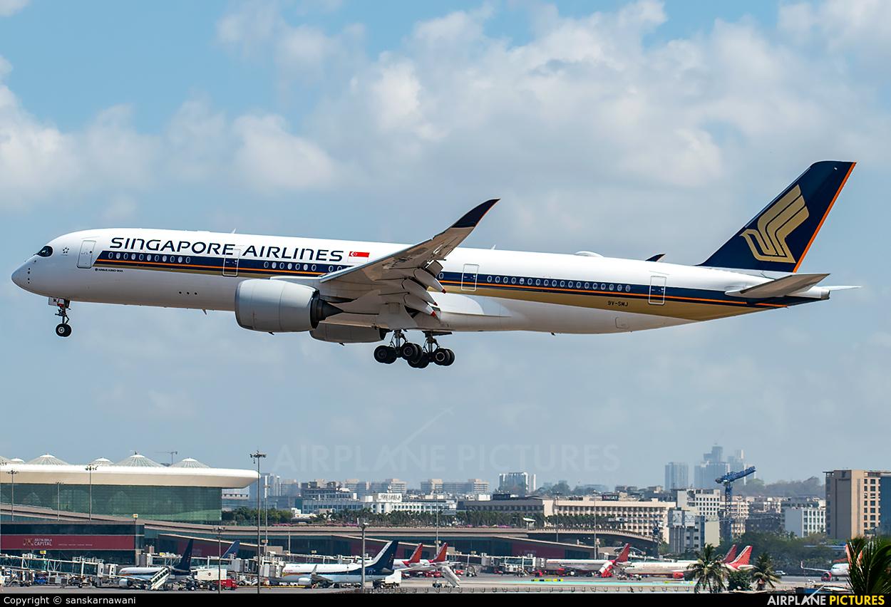 Singapore Airlines 9V-SMJ aircraft at Mumbai - Chhatrapati Shivaji Intl