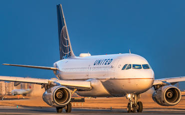 N806UA - United Airlines Airbus A319