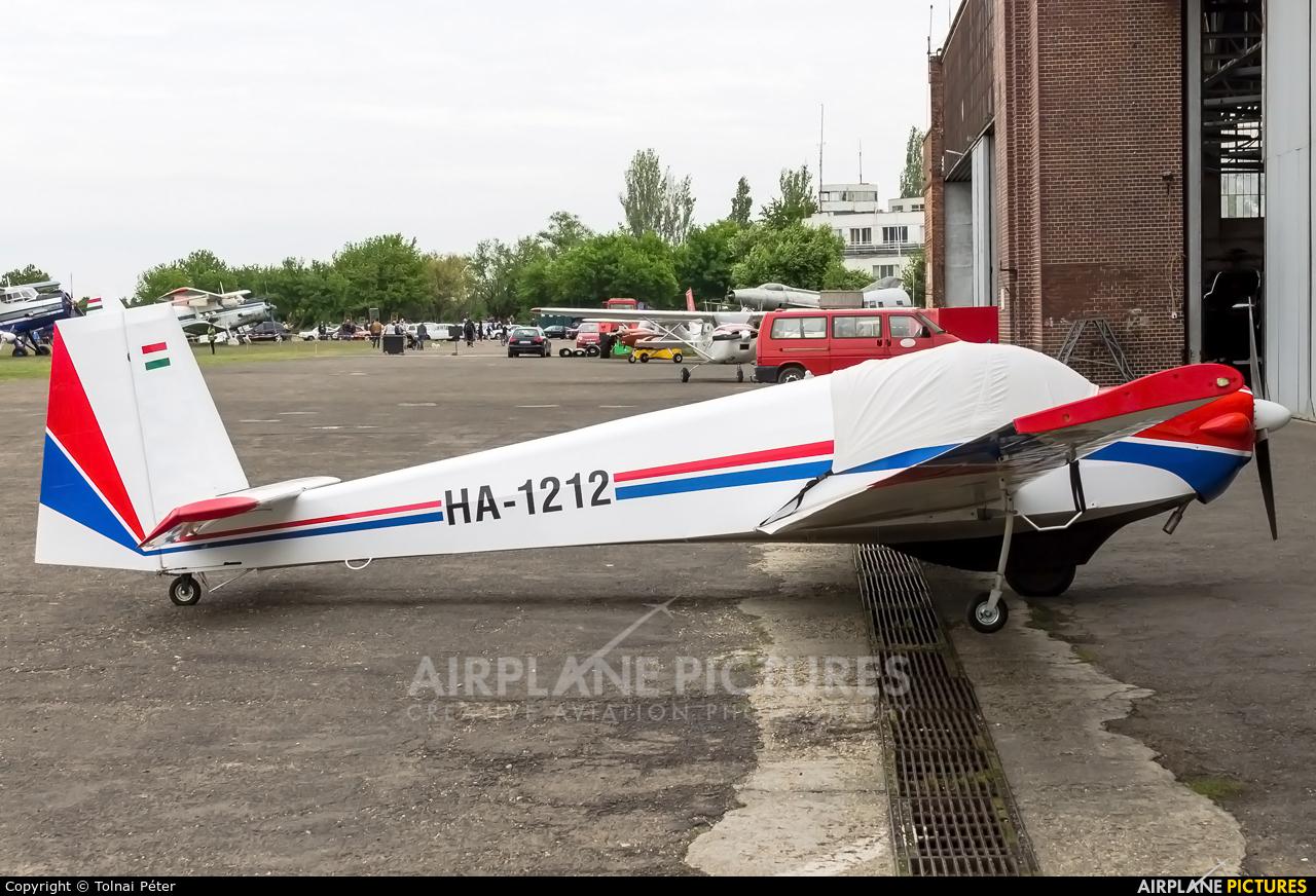 Private HA-1212 aircraft at Budaors