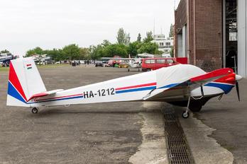 HA-1212 - Private Scheibe-Flugzeugbau SF-25 Falke