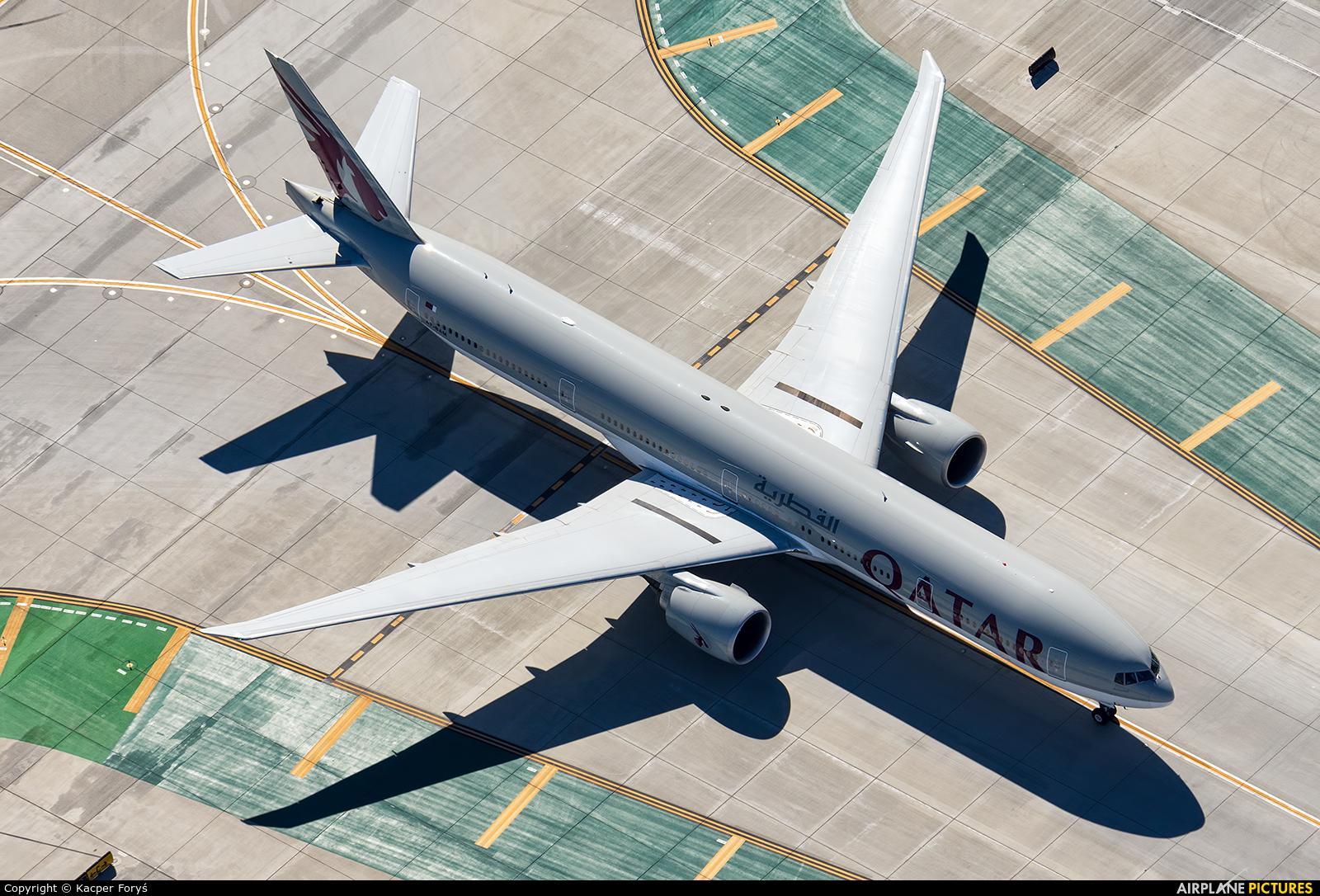 Qatar Airways A7-BAM aircraft at Los Angeles Intl