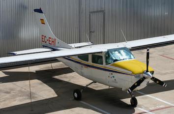 EC-EHI - Private Cessna 210 Centurion
