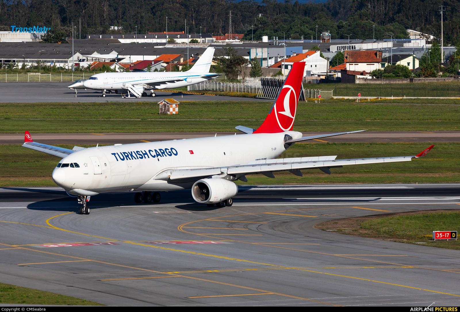 Turkish Cargo TC-JDP aircraft at Porto