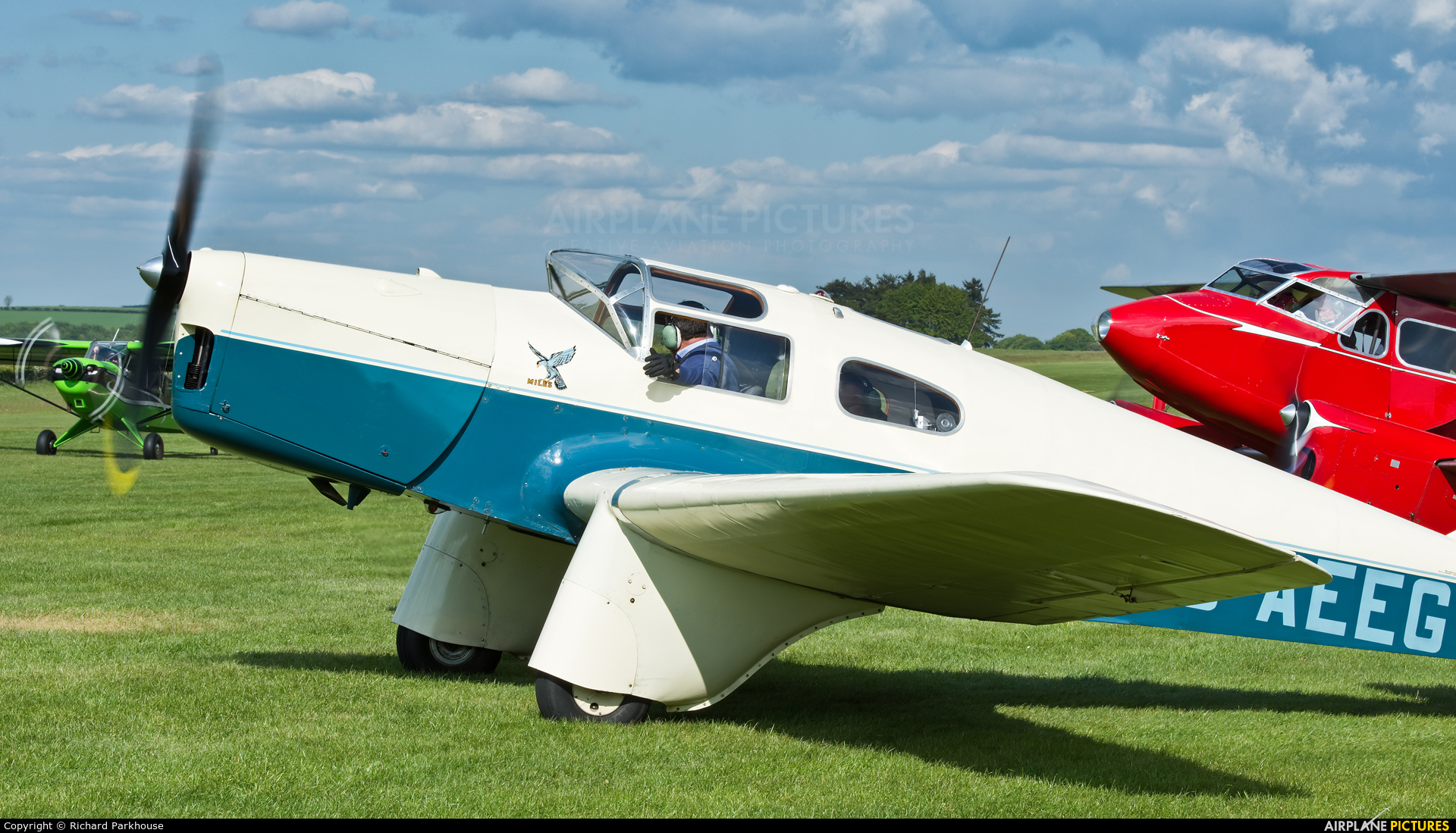 Private G-AEEG aircraft at Compton Abbas