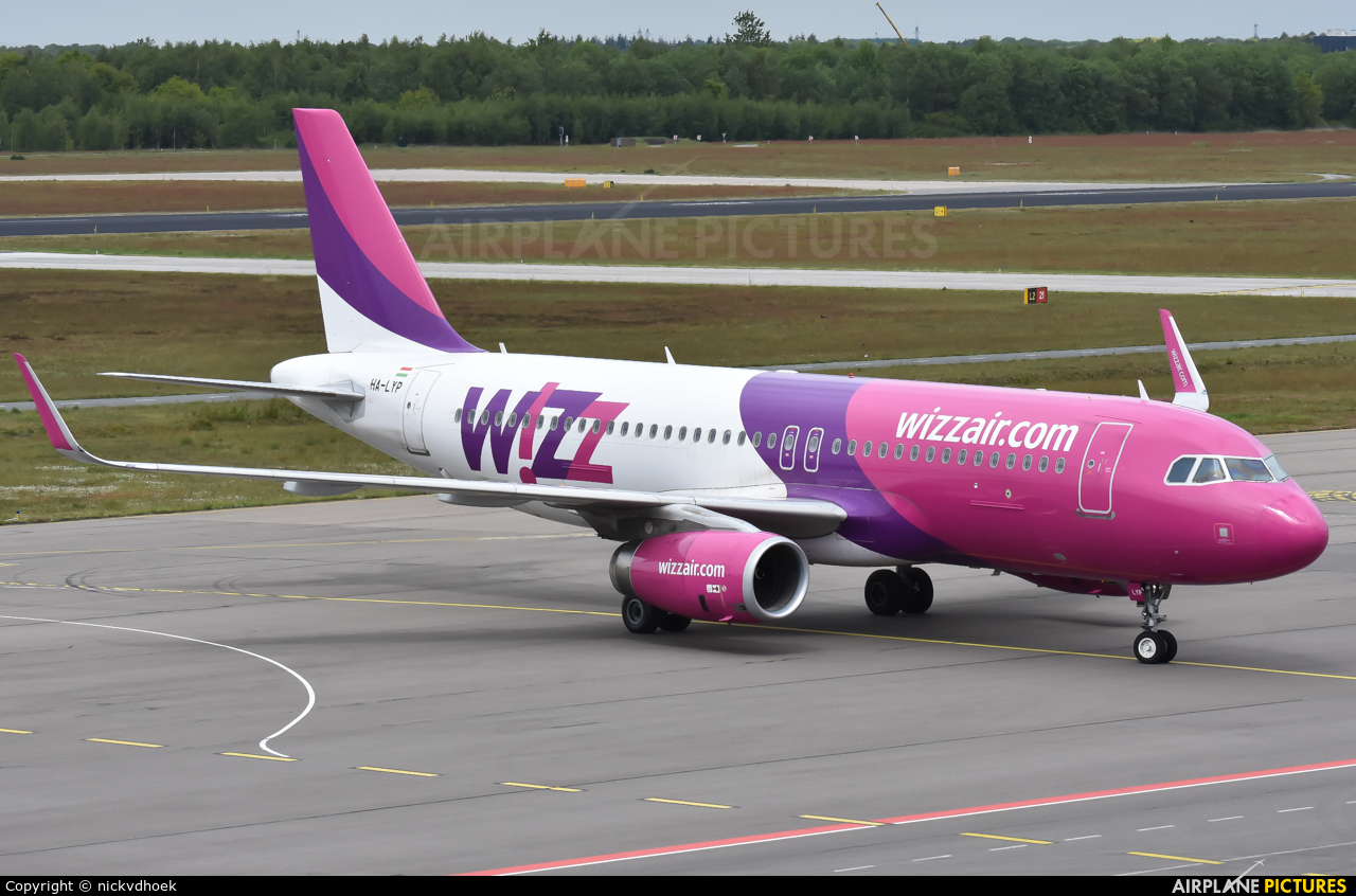 Wizz Air HA-LYP aircraft at Eindhoven