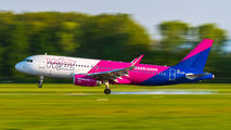 HA-LYW - Wizz Air Airbus A320 aircraft